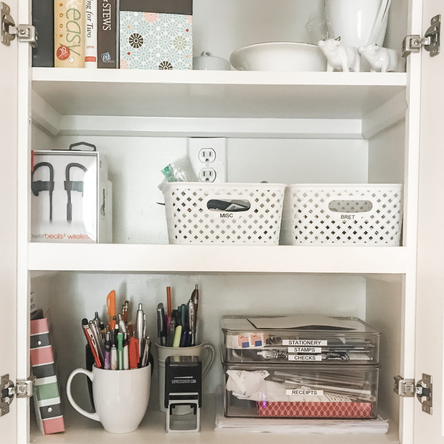 Kitchen Organization: Command Center Cabinet