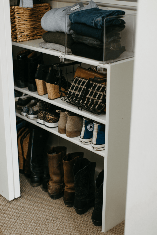 8 Ideas for A Reach-In Closet Layout
